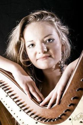 Samaya Vert - Harpist