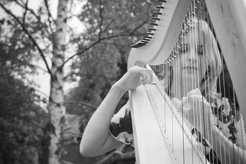 Emerald Burnett - Harpist