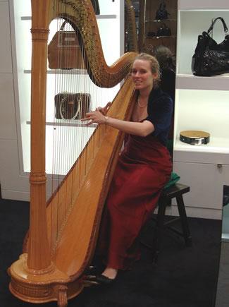 Hannah Avery - Harpist