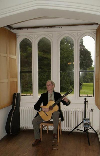 Noel Deacon - Classical Guitarist / Lute Player