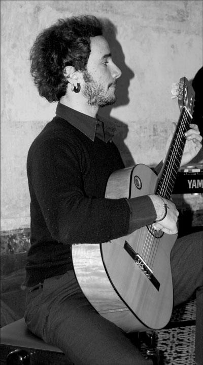 Luca Abelli - Italian Guitarist