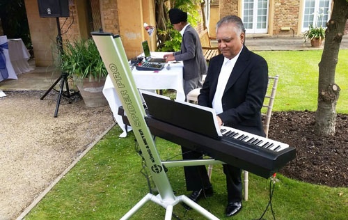 The Bollywood Piano Player - Bollywood Pianist